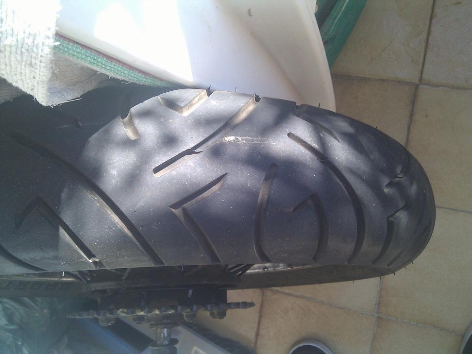 Roue complète arrière KLR avec son pneu Pneu3